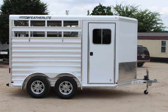 2019 Featherlite 9651 STOCK STYLE 2H SLANT LOAD WITH DRESSING ROOM CONROE, TX 23