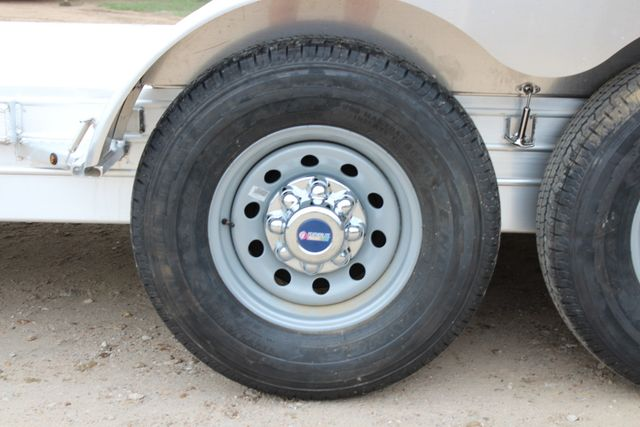 2019 Featherlite 3110 - 24 24' Car trailer DEXTER 7.0K TORSION CONROE, TX 23