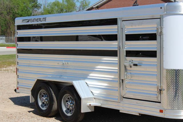 2019 Featherlite 8107 16' LO-PRO STOCK TRAILER SLIDING CUT GATES CONROE, TX 1