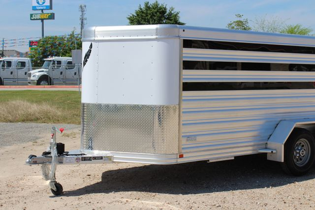 2019 Featherlite 8107 16' LO-PRO STOCK TRAILER SLIDING CUT GATES CONROE, TX 4