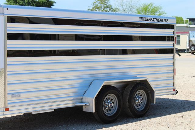 2019 Featherlite 8107 16' LO-PRO STOCK TRAILER SLIDING CUT GATES CONROE, TX 9