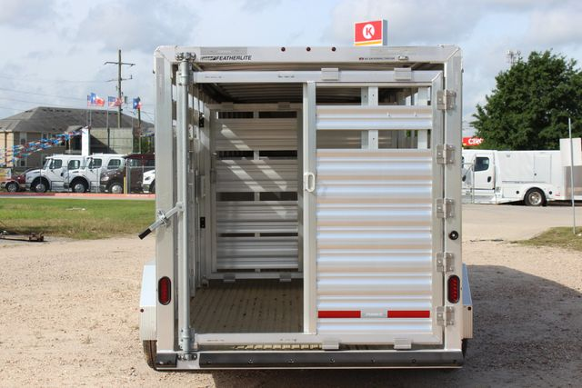 2019 Featherlite 8117 20' LIVESTOCK CATTLE W CENTER CUT GATE CONROE, TX 14