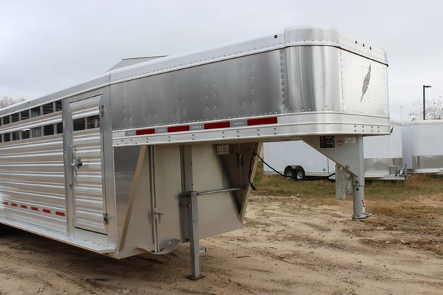 2019 Featherlite 8127 - 24 24' LIVESTOCK CATTLE GN TRAILER WITH 2 CUT GATES CONROE, TX 1