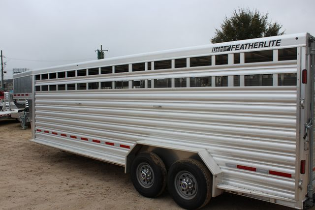 2019 Featherlite 8127 - 24 24' LIVESTOCK CATTLE GN TRAILER WITH 2 CUT GATES CONROE, TX 14