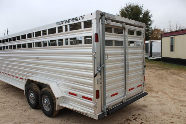 2019 Featherlite 8127 - 24 24' LIVESTOCK CATTLE GN TRAILER WITH 2 CUT GATES CONROE, TX 15