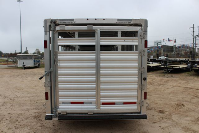 2019 Featherlite 8127 - 24 24' LIVESTOCK CATTLE GN TRAILER WITH 2 CUT GATES CONROE, TX 16