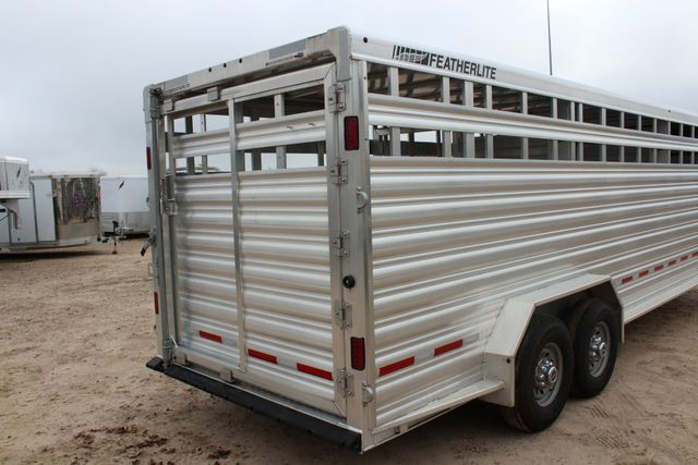 2019 Featherlite 8127 - 24 24' LIVESTOCK CATTLE GN TRAILER WITH 2 CUT GATES CONROE, TX 25