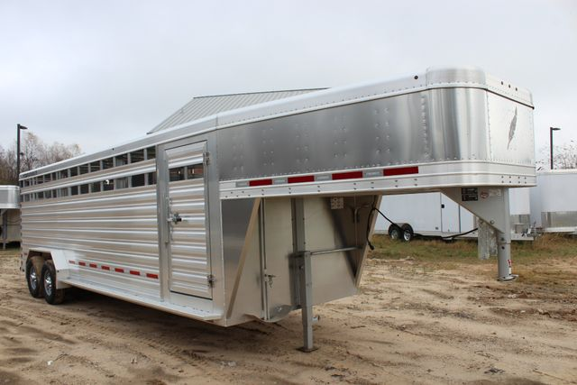 2019 Featherlite 8127 - 24 24' LIVESTOCK CATTLE GN TRAILER WITH 2 CUT GATES CONROE, TX 32