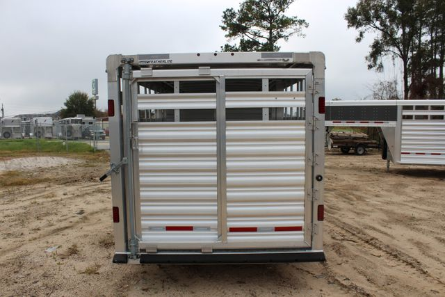 2019 Featherlite 8127 - 24 24' LIVESTOCK CATTLE GN TRAILER WITH 2 CUT GATES CONROE, TX 6