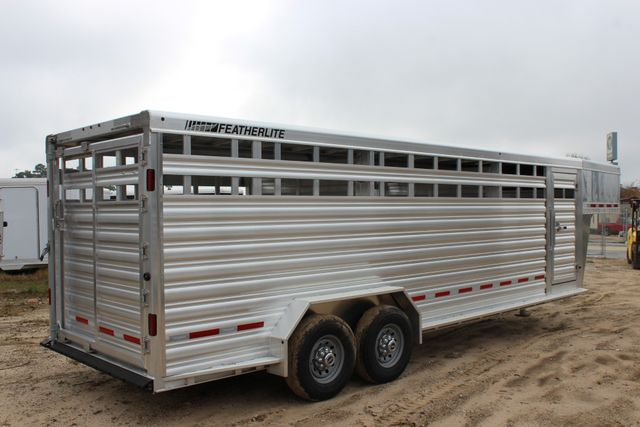 2019 Featherlite 8127 - 24 24' LIVESTOCK CATTLE GN TRAILER WITH 2 CUT GATES CONROE, TX 10