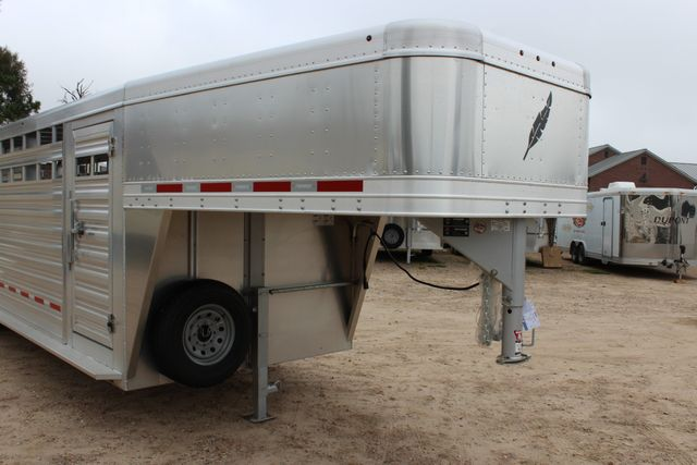 2019 Featherlite 8127 LIVESTOCK CATTLE GN TRAILER WITH 2 CUT GATES CONROE, TX 2
