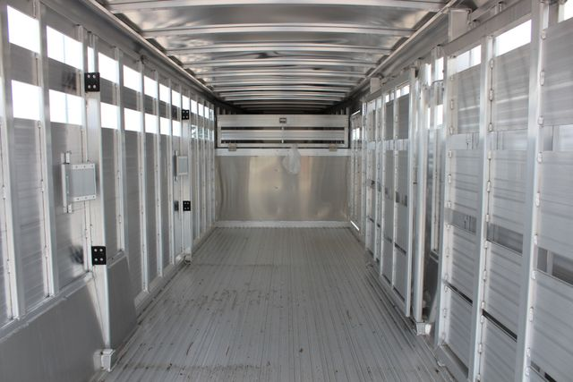 2019 Featherlite 8127 LIVESTOCK CATTLE GN TRAILER WITH 2 CUT GATES CONROE, TX 22