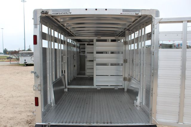 2019 Featherlite 8127 LIVESTOCK CATTLE GN TRAILER WITH 2 CUT GATES CONROE, TX 24
