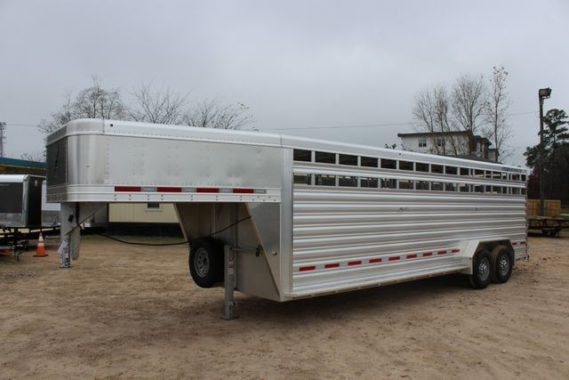 2019 Featherlite 8127 LIVESTOCK CATTLE GN TRAILER WITH 2 CUT GATES CONROE, TX 8