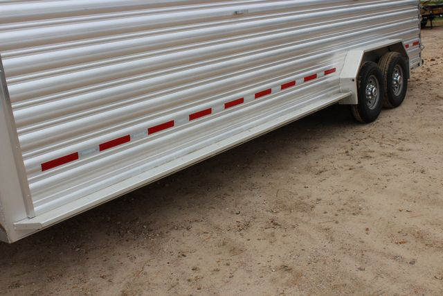 2019 Featherlite 8127 LIVESTOCK CATTLE GN TRAILER WITH 2 CUT GATES CONROE, TX 7