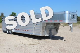 2019 Featherlite 8127 - 30 30' CATTLE TRAILER - 7'6 WIDE - DROP WALL VENTS CONROE, TX