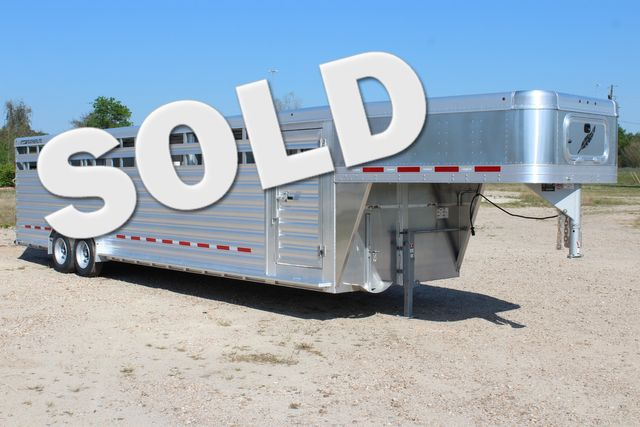2019 Featherlite 8127 - 30 30' CATTLE TRAILER - 7'6 WIDE - DROP WALL VENTS CONROE, TX 0