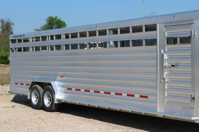 2019 Featherlite 8127 - 30 30' CATTLE TRAILER - 7'6 WIDE - DROP WALL VENTS CONROE, TX 1