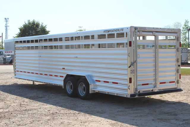 2019 Featherlite 8127 - 30 30' CATTLE TRAILER - 7'6 WIDE - DROP WALL VENTS CONROE, TX 10