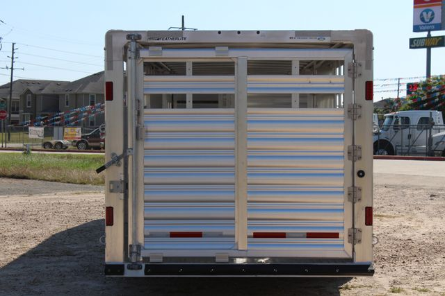 2019 Featherlite 8127 - 30 30' CATTLE TRAILER - 7'6 WIDE - DROP WALL VENTS CONROE, TX 13