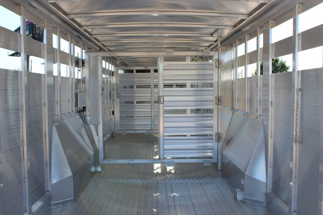 2019 Featherlite 8127 - 30 30' CATTLE TRAILER - 7'6 WIDE - DROP WALL VENTS CONROE, TX 16