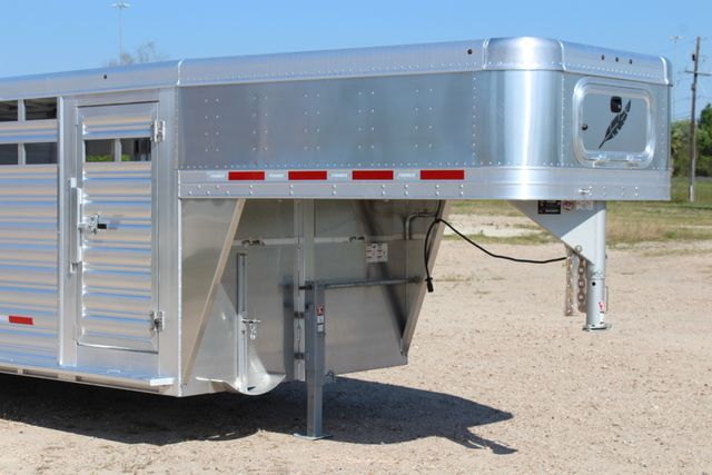 2019 Featherlite 8127 - 30 30' CATTLE TRAILER - 7'6 WIDE - DROP WALL VENTS CONROE, TX 2