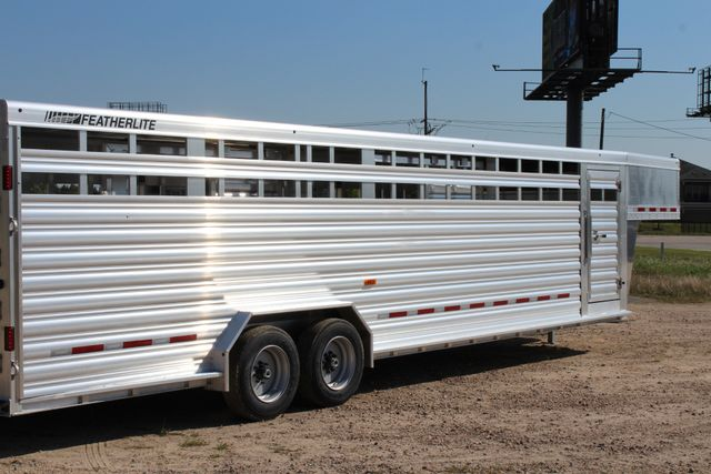 2019 Featherlite 8127 - 30 30' CATTLE TRAILER - 7'6 WIDE - DROP WALL VENTS CONROE, TX 24