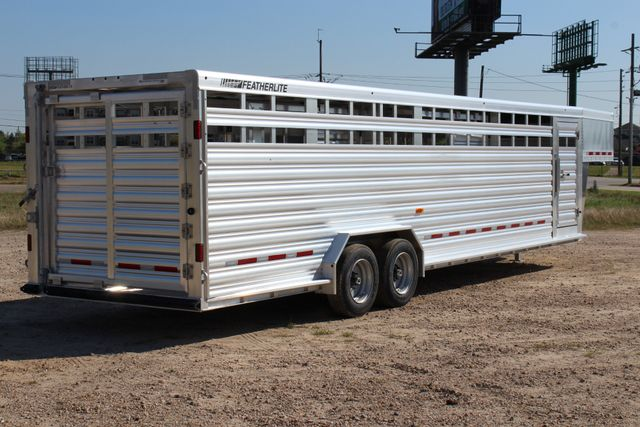 2019 Featherlite 8127 - 30 30' CATTLE TRAILER - 7'6 WIDE - DROP WALL VENTS CONROE, TX 25