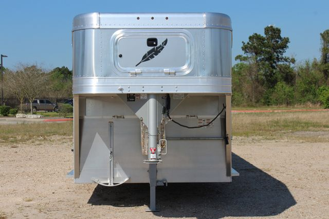 2019 Featherlite 8127 - 30 30' CATTLE TRAILER - 7'6 WIDE - DROP WALL VENTS CONROE, TX 3
