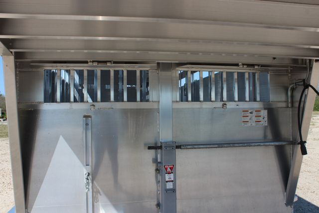 2019 Featherlite 8127 - 30 30' CATTLE TRAILER - 7'6 WIDE - DROP WALL VENTS CONROE, TX 8
