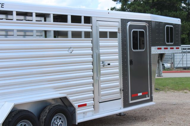 2019 Featherlite 8413 - STOCK/ COMBO 20' - Straight Wall Tack CONROE, TX 24