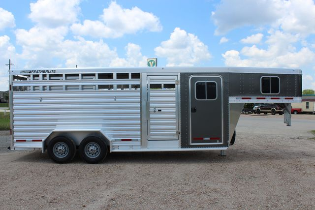 2019 Featherlite 8413 - STOCK/ COMBO 20' - Straight Wall Tack CONROE, TX 25