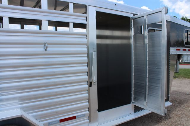 2019 Featherlite 8413 - STOCK/ COMBO 20' - Straight Wall Tack CONROE, TX 26