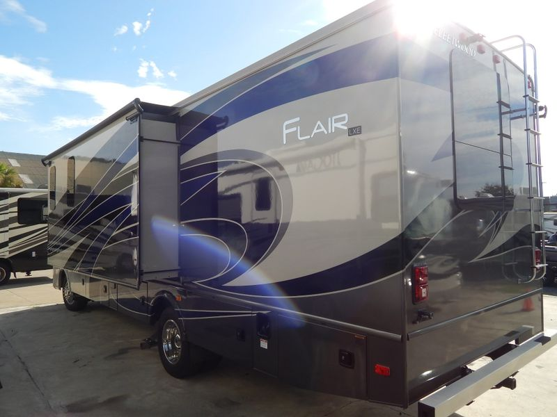 2019 Fleetwood FLAIR 30U  in Charleston, SC