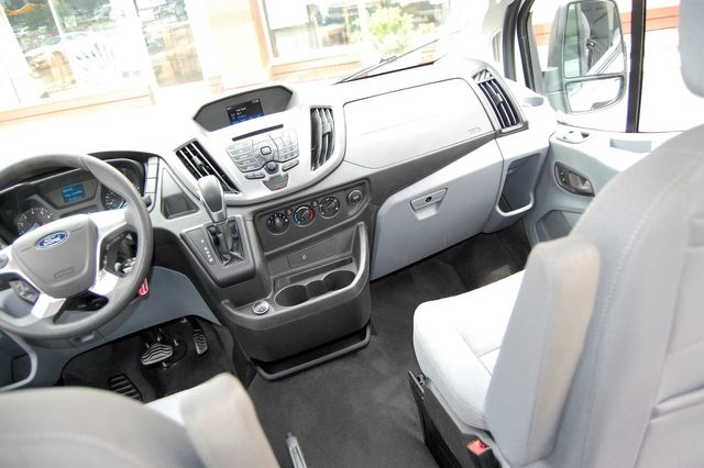 2019 Ford 15 Pass. XLT Charlotte, North Carolina 20