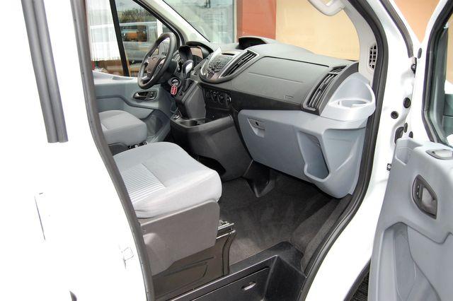 2019 Ford 15 Pass. XLT Charlotte, North Carolina 6