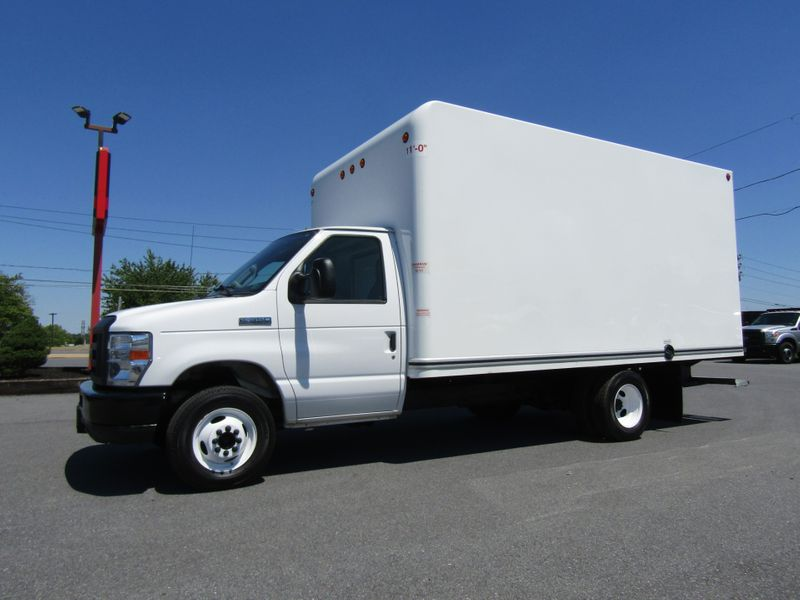 2019 Ford E350 15' Box Truck with Loading Ramp in Ephrata PA