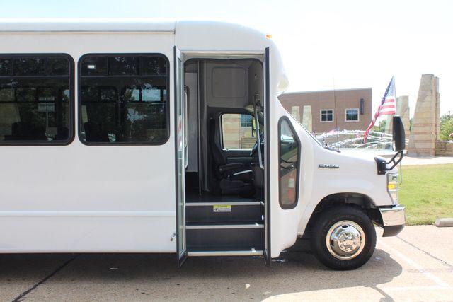 2019 Ford E450 26 Passenger Starcraft Shuttle Bus *Under Warranty* Irving, Texas 10