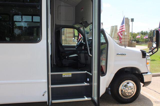 2019 Ford E450 26 Passenger Starcraft Shuttle Bus *Under Warranty* Irving, Texas 12