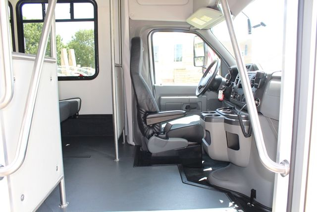 2019 Ford E450 26 Passenger Starcraft Shuttle Bus *Under Warranty* Irving, Texas 14