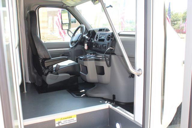 2019 Ford E450 26 Passenger Starcraft Shuttle Bus *Under Warranty* Irving, Texas 15