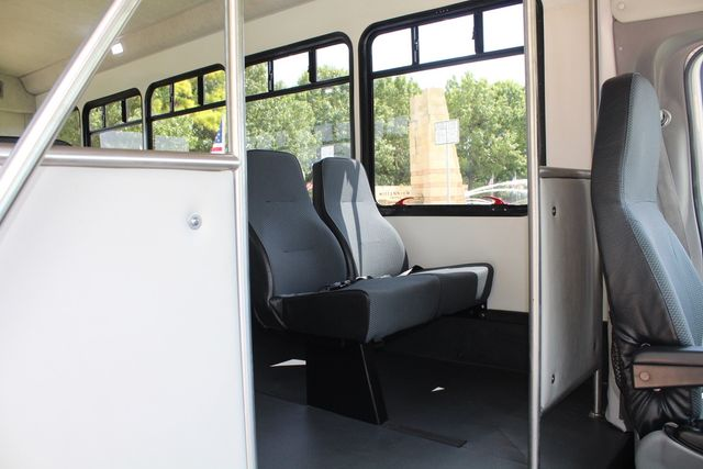 2019 Ford E450 26 Passenger Starcraft Shuttle Bus *Under Warranty* Irving, Texas 17