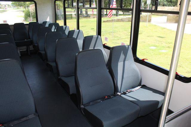 2019 Ford E450 26 Passenger Starcraft Shuttle Bus *Under Warranty* Irving, Texas 18
