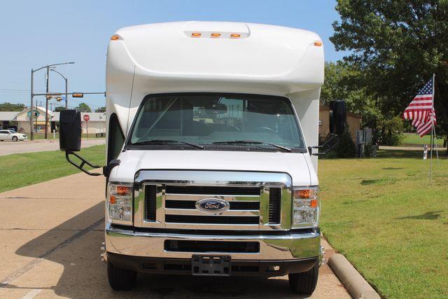 2019 Ford E450 26 Passenger Starcraft Shuttle Bus *Under Warranty* Irving, Texas 2