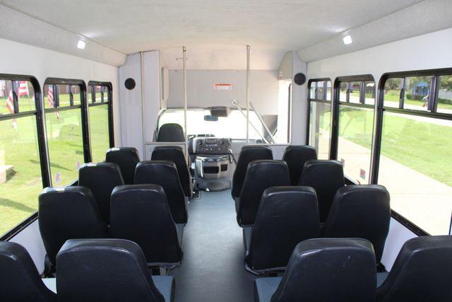 2019 Ford E450 26 Passenger Starcraft Shuttle Bus *Under Warranty* Irving, Texas 25