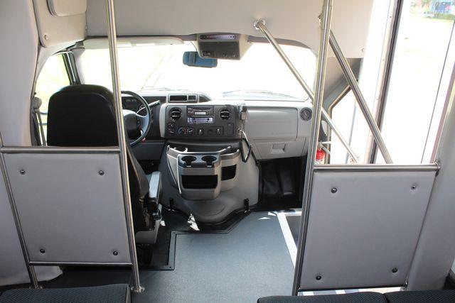2019 Ford E450 26 Passenger Starcraft Shuttle Bus *Under Warranty* Irving, Texas 27
