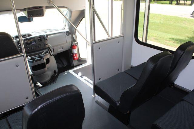 2019 Ford E450 26 Passenger Starcraft Shuttle Bus *Under Warranty* Irving, Texas 28