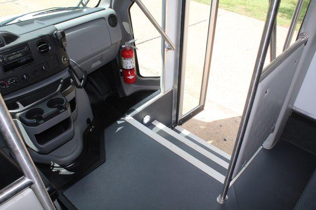 2019 Ford E450 26 Passenger Starcraft Shuttle Bus *Under Warranty* Irving, Texas 29
