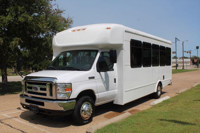 2019 Ford E450 26 Passenger Starcraft Shuttle Bus *Under Warranty* Irving, Texas 4