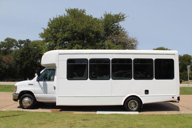 2019 Ford E450 26 Passenger Starcraft Shuttle Bus *Under Warranty* Irving, Texas 5